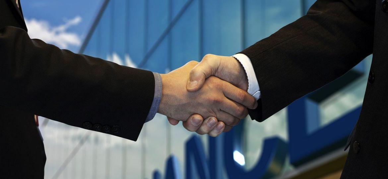 shaking-hands-5217122_1280